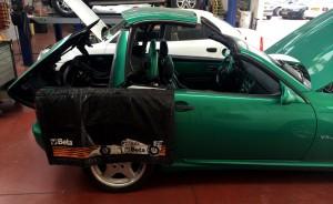מהלך העבודה על רכב קבריולט בחשמל מוטי